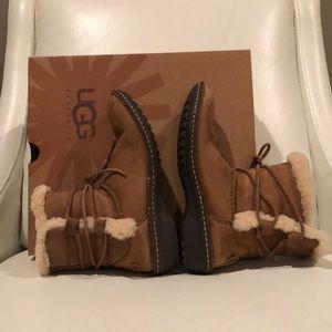 UGG Tan Caspia Suede Leather/Sheepskin short boots